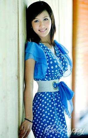 beautiful girl Yi
