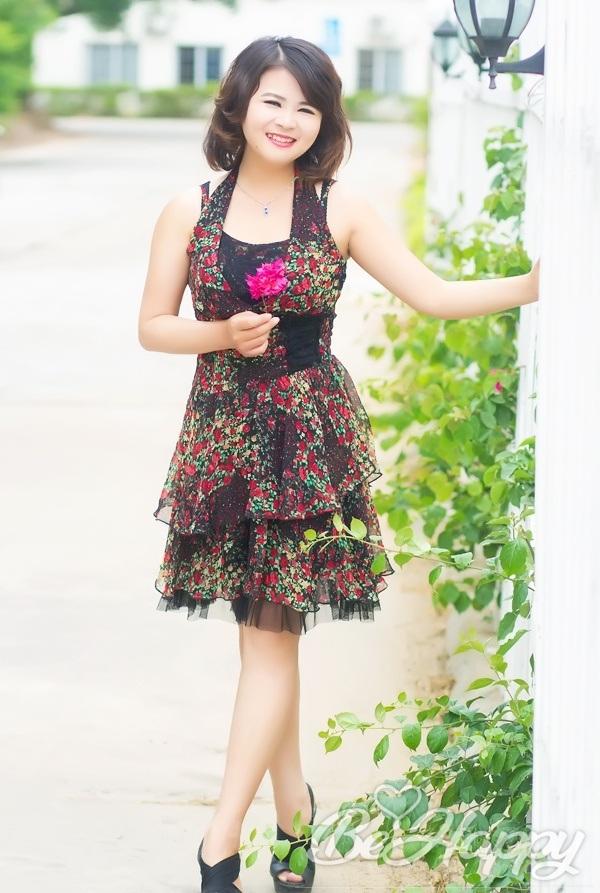 dating single XiaoTao (Mikey)