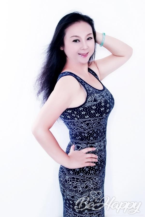 dating single Ling (Sophiya)