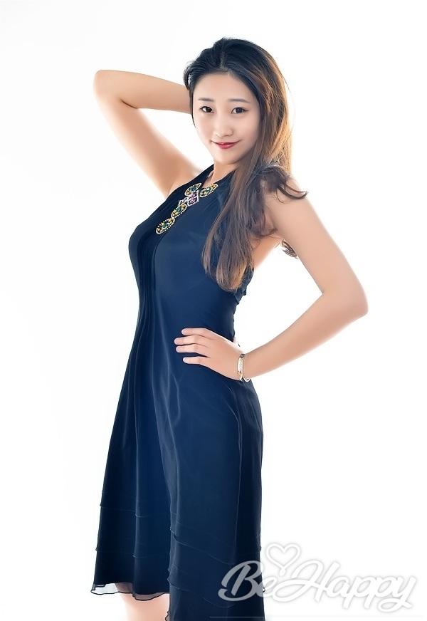 dating single XinYue (Cora)