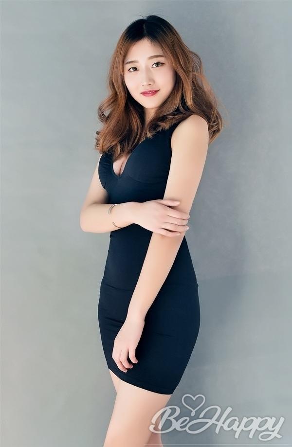 dating single XiuYu (Sarah)