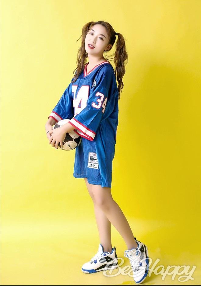 beautiful girl Fang