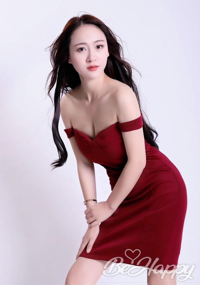beautiful girl Kaiwen