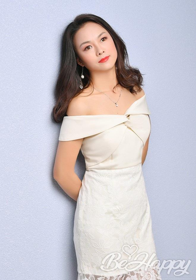 beautiful girl Jinlian (Julie)