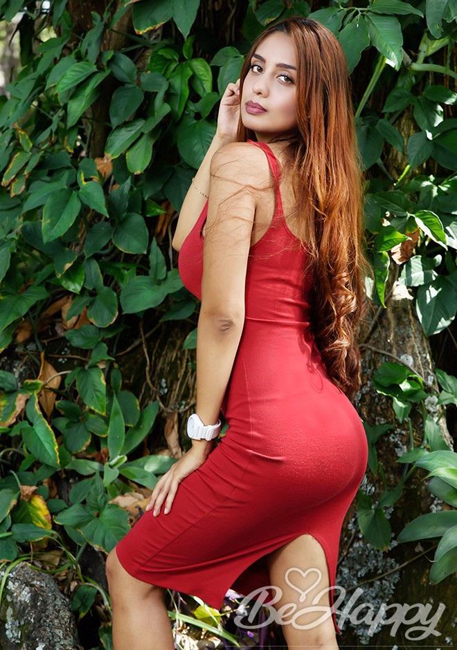 dating single Paula Andrea