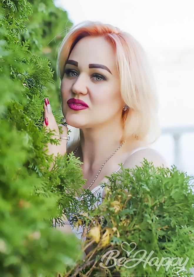 dating single Varvara