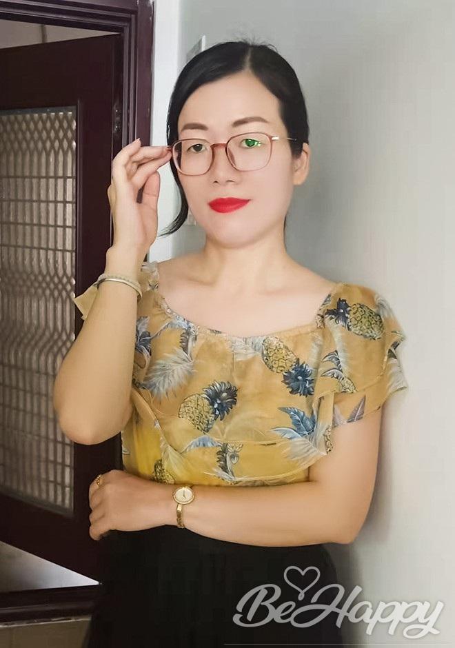 dating single Lijuan (Lily)