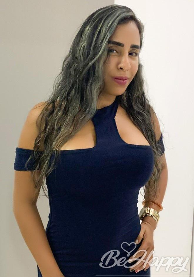 dating single Ana Jennyfer