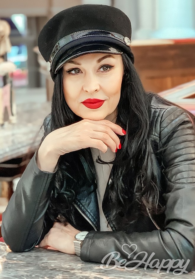 dating single Liliya