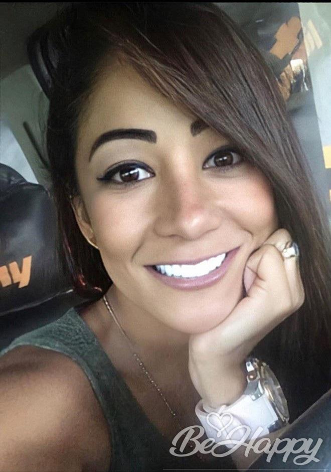dating single Vanessa