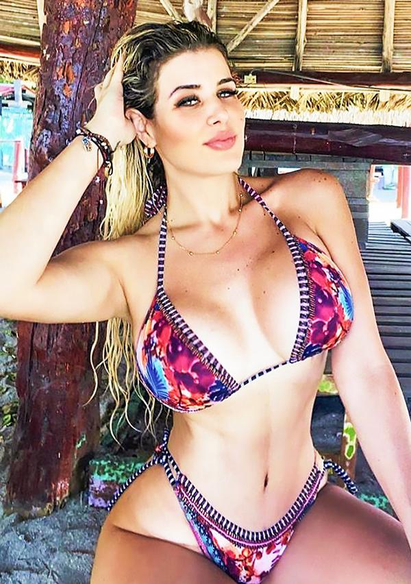 Andrea Valentina ID 51316