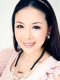 Asian woman Lingling (Lingda) from Shenzhen, China