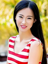 Asian woman Xiaoyue (Rainie) from Harbin, China