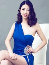Asian woman Yifan from Zhongshan, China