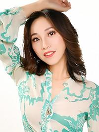 Asian woman Xinting (Sarah) from fuxin, China