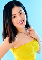 Single Xin (Belle) from Tieling, China