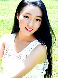Asian woman Xiaoqing (Zoe) from Changyi, China