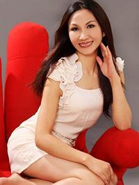 Asian woman Cuihua (Flora) from Shenzhen, China