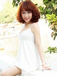 Asian woman Hongling (Ling) from Shenzhen, China