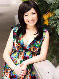 Asian woman Qingxiu (Cindy) from Shenzhen, China