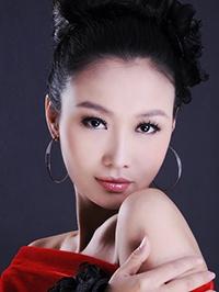 Asian woman Dongmei (May) from Zhengzhou, China