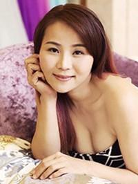 Asian woman Xuehuan (Sara) from Guangzhou, China