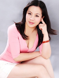 Asian woman Zirong (Liby) from Nanning, China