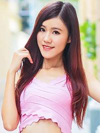 Asian woman Yun (Yoki) from Guangzhou, China