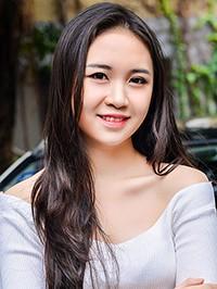 Asian woman Wei (Linda) from Guangzhou, China
