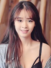 Asian woman Yuhan (Victoria) from Guangzhou, China