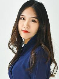 Single Yunqing (Elsa) from Shenyang, China