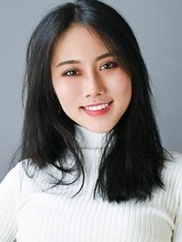 Asian woman Jiaxin (Alice) from Panxi, China