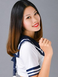 Asian woman Tianru (Lucy) from Shenyang, China