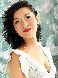 Asian woman Yan (Polly) from Shenyang, China