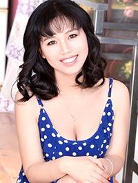 Asian woman Lei (Alice) from Shenyang, China