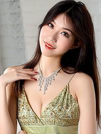 Asian woman Ziyue (Lucy) from jinlin, China