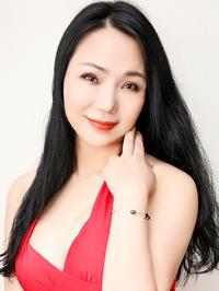 Asian woman Wayne from Guangzhou, China