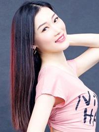 Asian woman Florence from Guangzhou, China