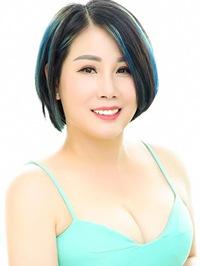 Asian woman Judy from Guangzhou, China
