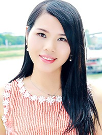 Asian woman Ling from Nanning, China