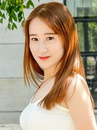 Single Shuang (Sharon) from Dalian, China