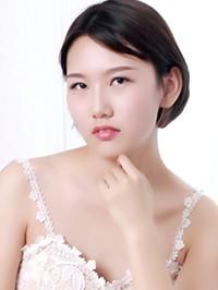 Single Xinyue from Shenyang, China