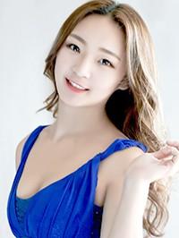 Asian woman Yunhong from Tieling, China