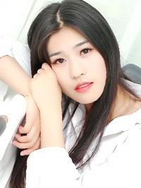 Asian woman Xiaowei from Yiyang, China