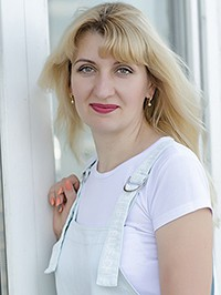 Single Alyona from Nikolaev, Ukraine