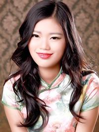 Asian woman Siyu from Beijing, China