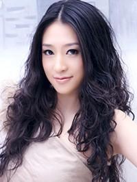 Asian woman Qianru (Lucy) from Shenyang, China