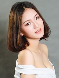 Asian woman Juan from Changsha, China