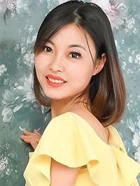 Asian woman Ling from Fushun, China