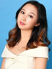 Asian woman Dan (Lucy) from Shenyang, China
